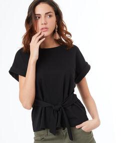 T-shirt avec ceinture noir.