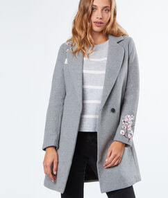 Manteau en laine à fleurs brodées gris anthracite.