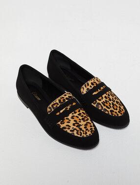 Mocassins à imprimé léopard noir.