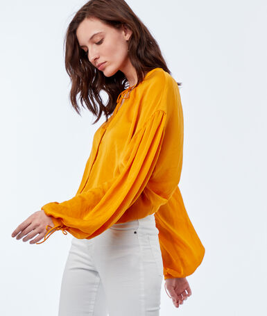 Blouse manches oversize ocre.