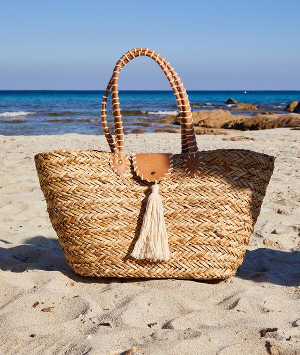 Panier de plage en paille avec pompoms
