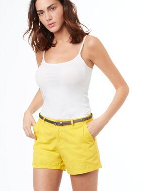 Short avec ceinture en coton jaune.