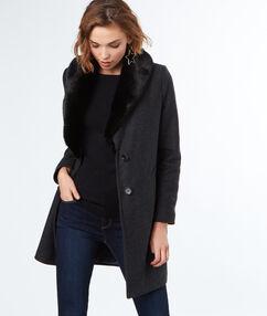 Manteau long en laine avec col en fausse fourrure gris.