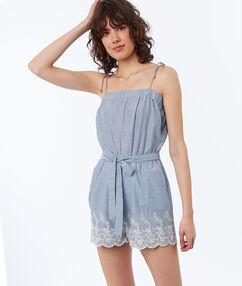 Combi-short à bretelles en coton bleu clair.