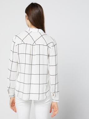 Chemise à carreaux ecru.