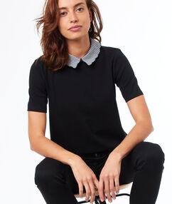 T-shirt col claudine noir.