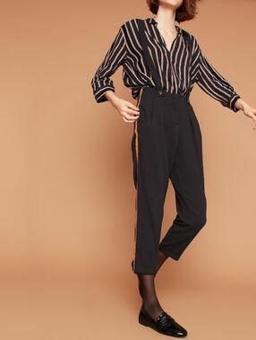 Pantalon carotte à bretelles noir.