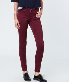 Pantalon slim en coton prune.