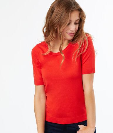 Pull manches courtes orange.