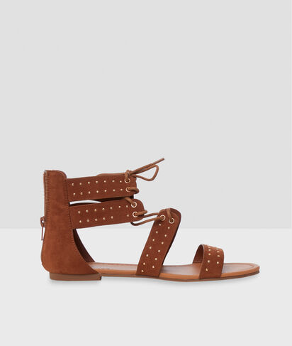 Sandales plates à petits clous
