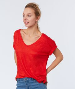 T-shirt en lin col v rouge.