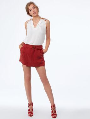 Short avec ceinture en tencel® rouge sienne.