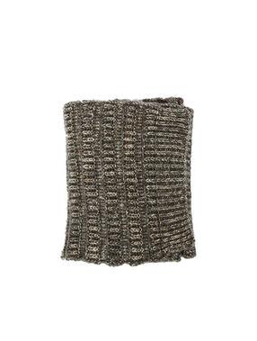 Écharpe à fil métallisé gris chiné foncé.