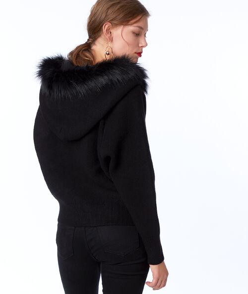 Veste à capuche avec fausse fourrure