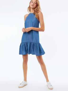 Robe en tencel® bleu délavé moyen.