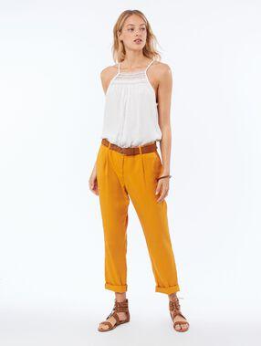 Pantalon carotte en tencel® jaune miel.
