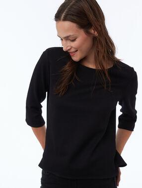 T-shirt manches 3/4 col bateau noir.