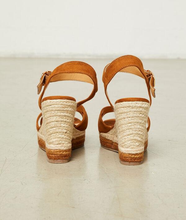 Sandales compensées effet daim