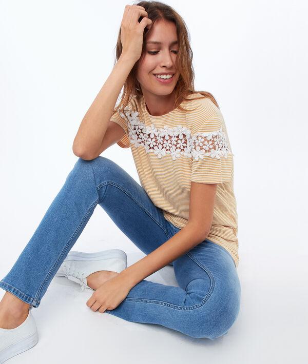 T-shirt avec dentelle fleurie