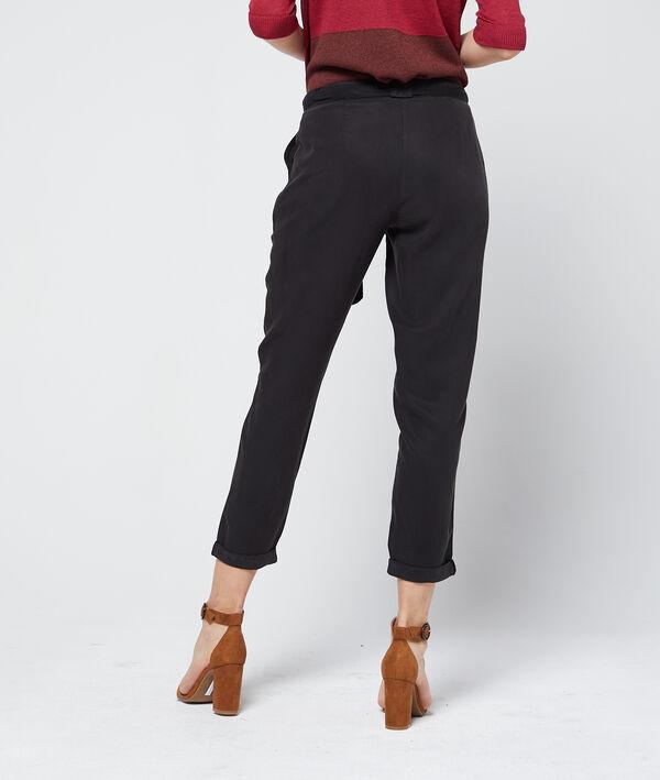 Pantalon carotte ceinturé en tencel®