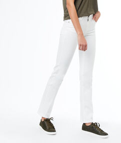 Jean droit blanc.