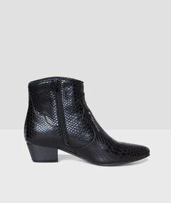 Boots pointues effet croco noir.