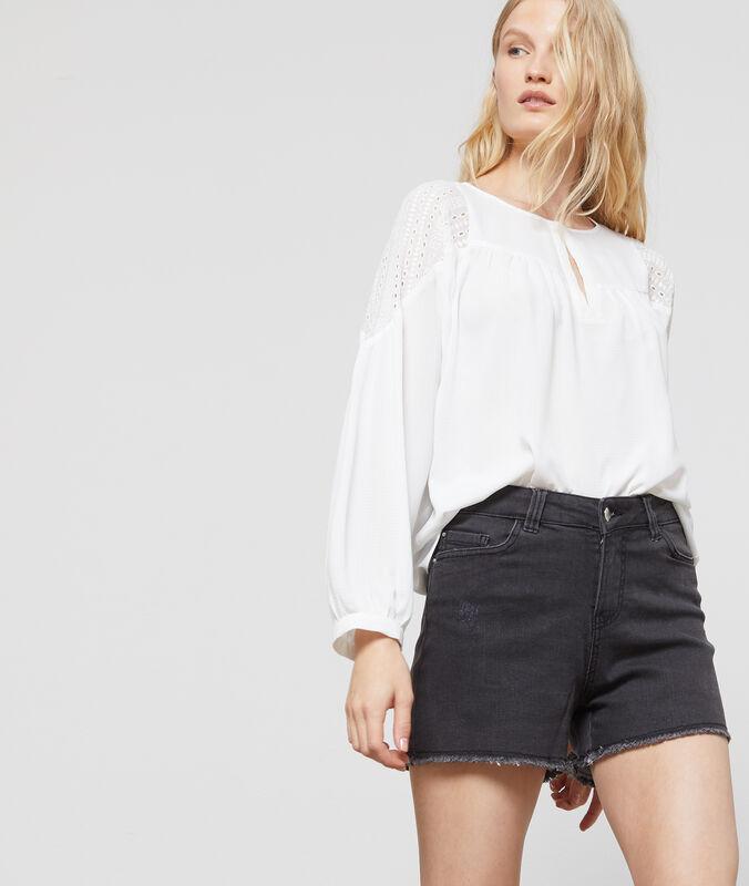 Short en jean gris anthracite.