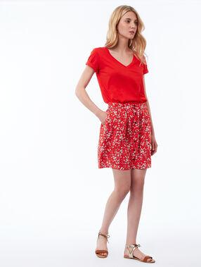 T-shirt col v en coton rouge.