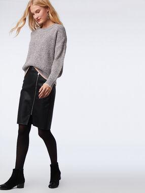 Jupe zippée simili cuir noir.