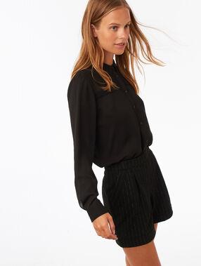 Short à rayures détail fil métallisé noir.