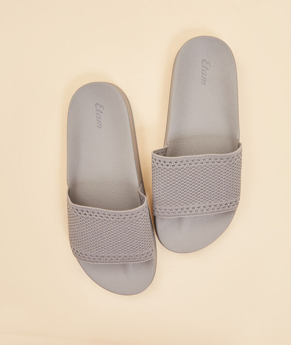 Chaussons mules ouvertes